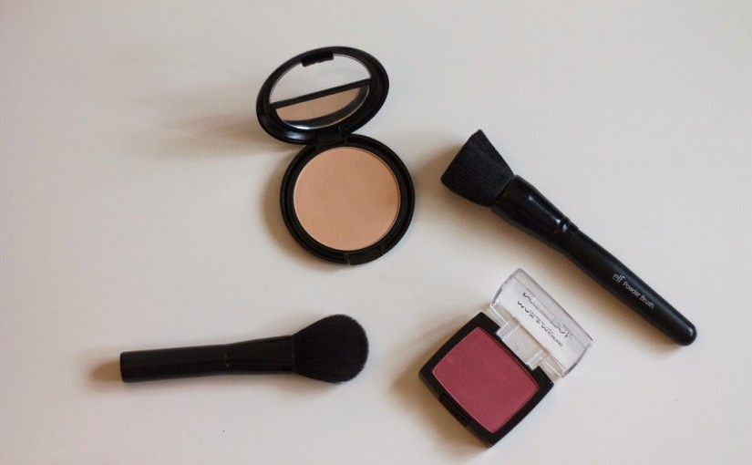 Max & more | powder foundation & blush