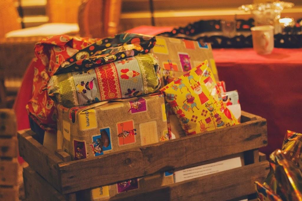 Sinterklaas-2Bcadeaus