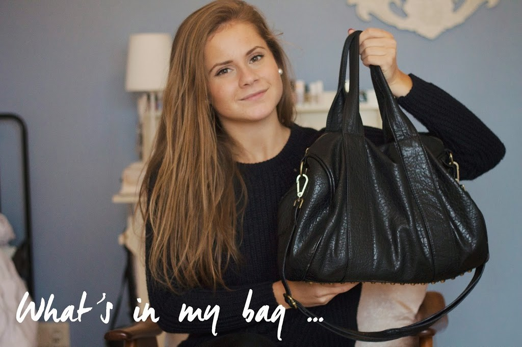 What's in my bag – video