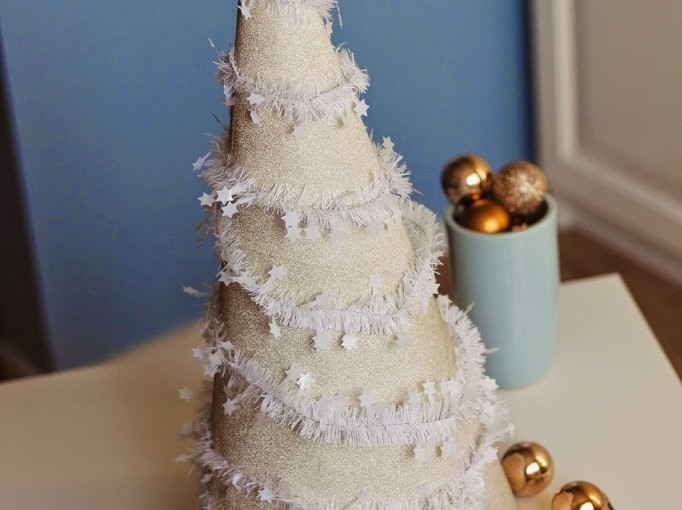 8 Days before christmas // DIY cone tree