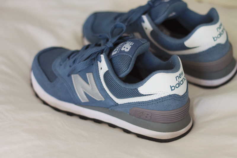 New-Balances-574-blue-grey-sneakers