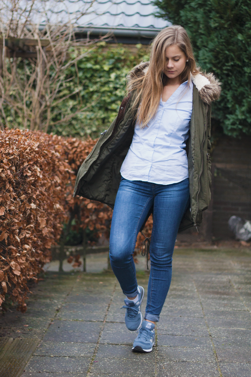 Outfit-parka-jeans-new-balance-2