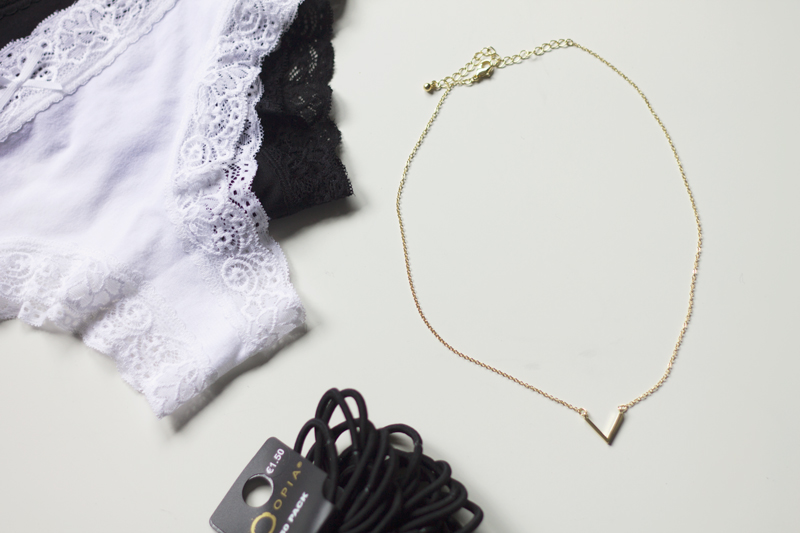 Primark-ondergoed-ketting-elastiekjes