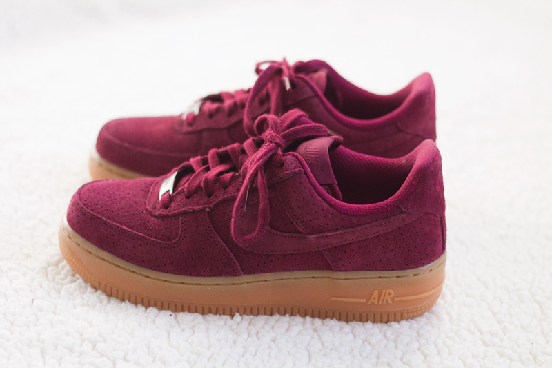 nike air force 1 rood suede