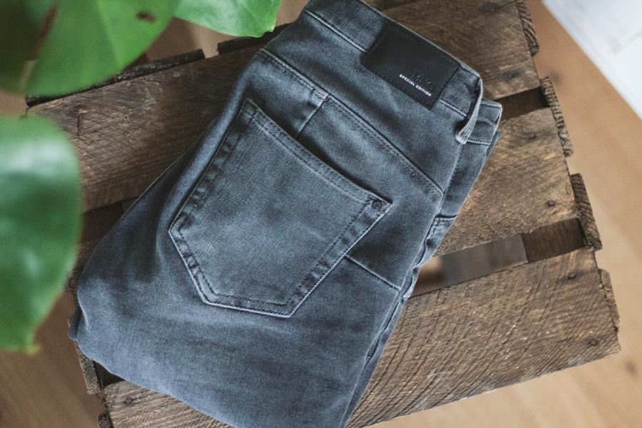 mango-jeans-grijs