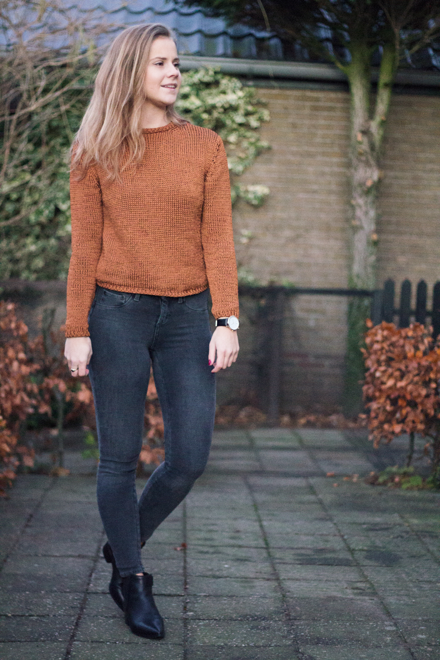 mango-outfit-oranje-trui-4